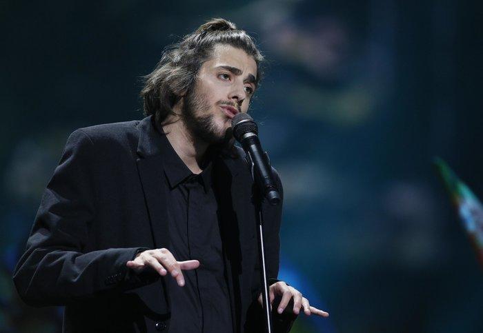 Νικήτης Eurovision: Διασωληνωμένος στην εντατική δίνει μάχη για τη ζωή του