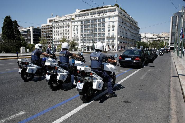 """Στο Μαξίμου ο Μακρόν: """"Τρομακτικές οι προσπάθειες των Ελλήνων"""" - εικόνα 5"""