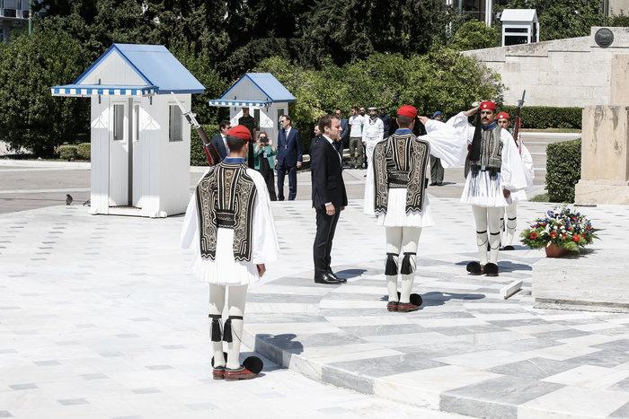 """Στο Μαξίμου ο Μακρόν: """"Τρομακτικές οι προσπάθειες των Ελλήνων"""" - εικόνα 20"""