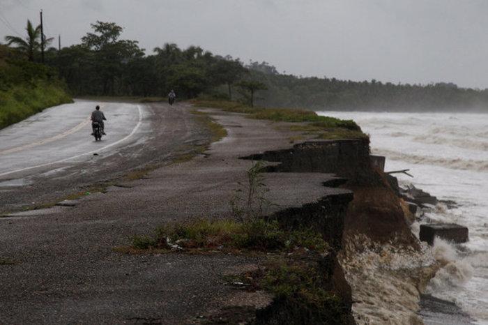 Φλόριντα: Εκκενώνονται περιοχές, άδειασαν βενζινάδικα & σούπερ-μάρκετ Φωτό - εικόνα 10
