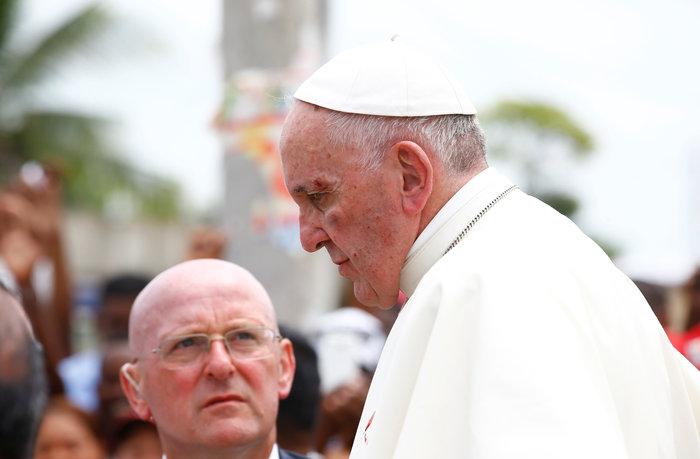 Πάπας: «Με γρονθοκόπησαν. Είμαι καλά»! - Τι συνέβη