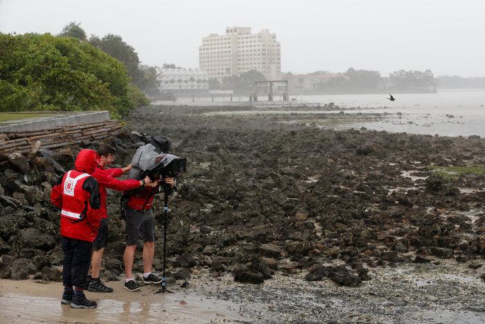 Επικών διαστάσεων ο τυφώνας Ιρμα σαρώνει την Φλόριντα - εικόνα 13