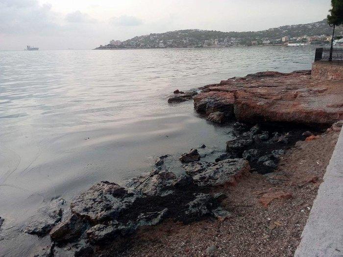 Μαύρισαν οι παραλίες στη Σαλαμίνα- συγκλονιστικές εικόνες - εικόνα 4
