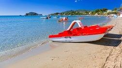 """Γιατί αφαίρεσαν τη """"Γαλάζια Σημαία"""" από 19 ελληνικές παραλίες"""