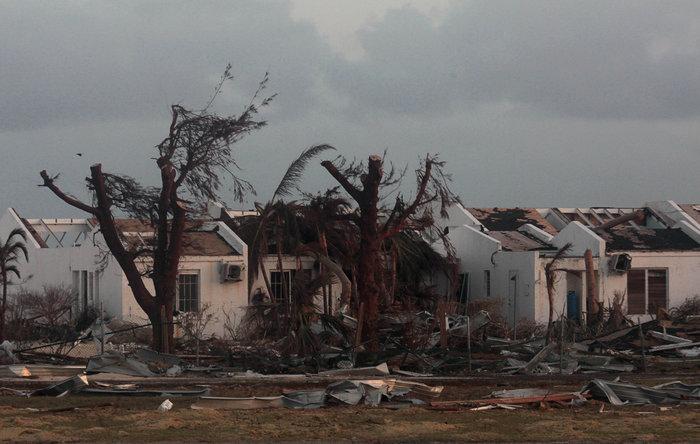 Εξι νεκροί και τεράστια καταστροφή από την Ιρμα στη Φλόριντα - εικόνα 8