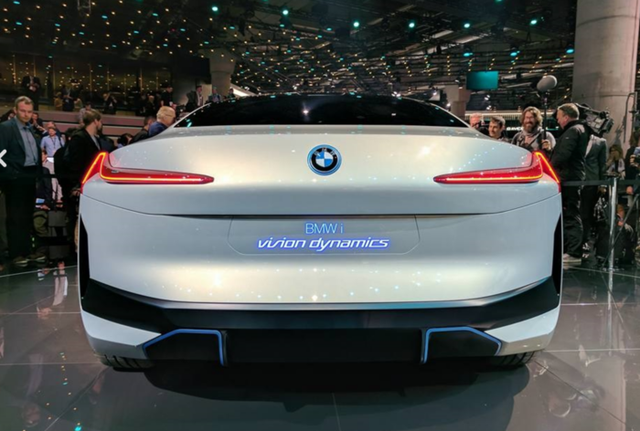 BMW i Vision Dynamics: Το μελλοντικό μοντέλο ανάμεσα στα i3 και i8