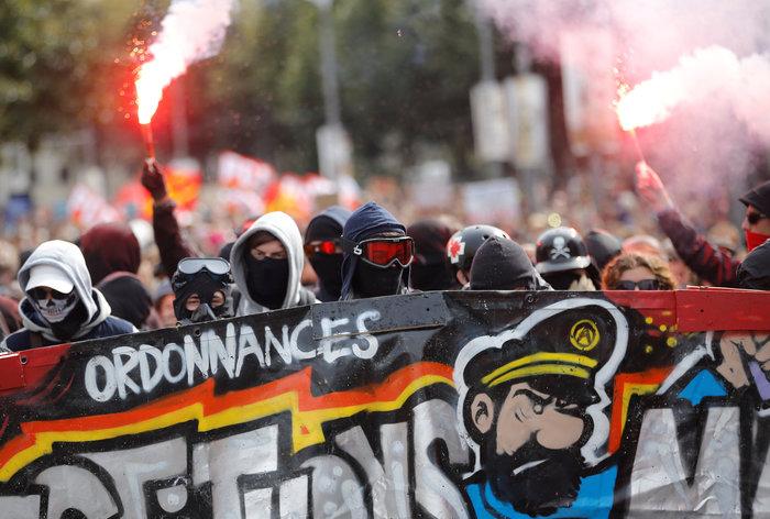 Ενταση στο Παρίσι κατά τη διάρκεια διαδήλωσης για τα εργασιακά
