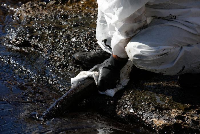 Αναπάντητα ερωτήματα για την περιβαλλοντική βόμβα στο Σαρωνικό - εικόνα 13