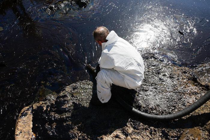 Αναπάντητα ερωτήματα για την περιβαλλοντική βόμβα στο Σαρωνικό - εικόνα 14