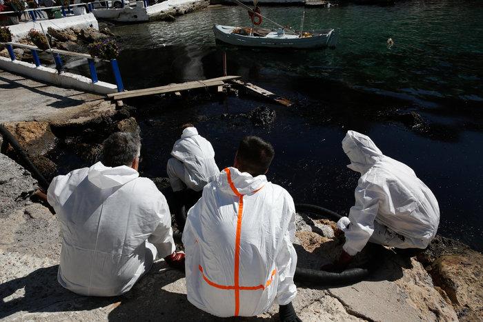 Αναπάντητα ερωτήματα για την περιβαλλοντική βόμβα στο Σαρωνικό - εικόνα 15
