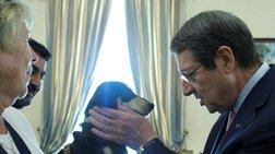 Αδέσποτο κουταβάκι υιοθέτησε ο πρόεδρος της Κύπρου