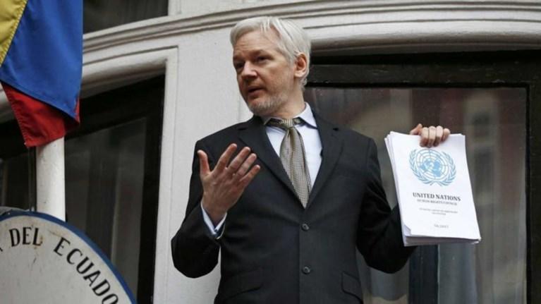 sto-pleuro-tis-katalwnias-o-idrutis-twn-wikileaks-tz-asanz