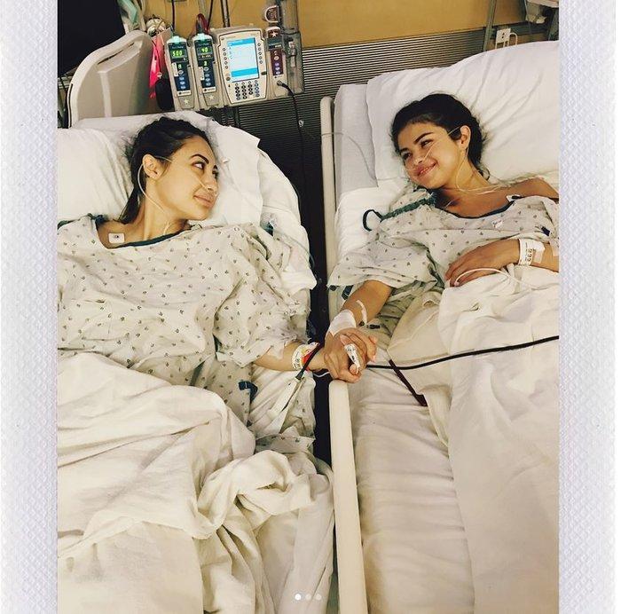 Σοκάρει η Σελένα Γκόμεζ: Η άγνωστη επέμβαση και η φωτο μετά το χειρουργείο