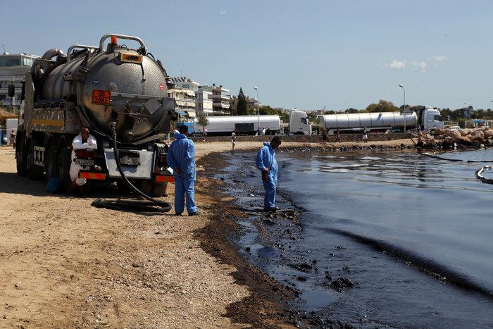 Πετρέλαιο και μαζούτ «πνίγει» τον Σαρωνικό [ΕΙΚΟΝΕΣ] - εικόνα 10
