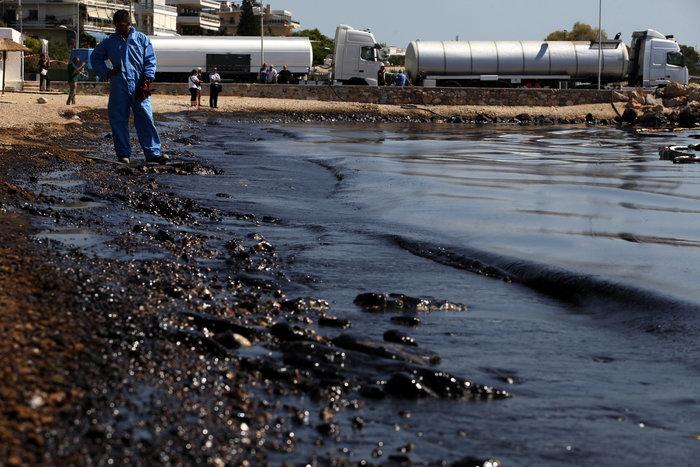 Πετρέλαιο και μαζούτ «πνίγει» τον Σαρωνικό [ΕΙΚΟΝΕΣ] - εικόνα 12