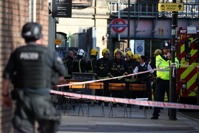 Καρέ καρέ η τρομοκρατική επίθεση στο μετρό του Λονδίνου - εικόνα 4