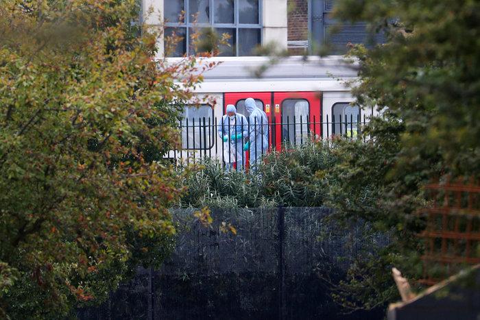 Καρέ καρέ η τρομοκρατική επίθεση στο μετρό του Λονδίνου - εικόνα 13
