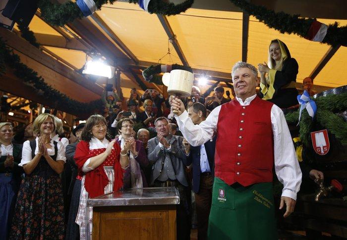 Ο δήμαρχος του Μονάχου δίνει το έναυσμα για την έναρξη του Oktoberfest