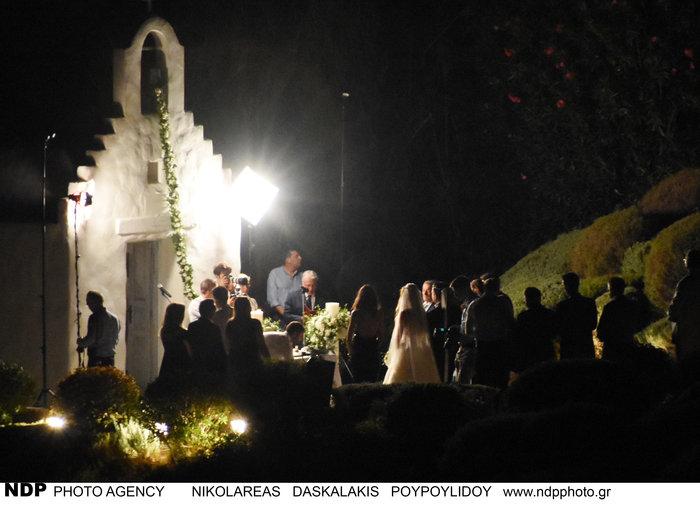Το άλμπουμ του ρομαντικού γάμου της παρουσιάστριας Ελένης Τσολάκη - εικόνα 5