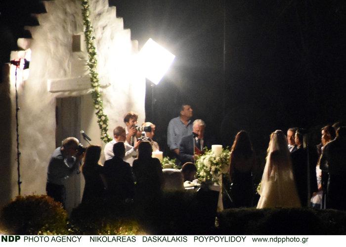 Το άλμπουμ του ρομαντικού γάμου της παρουσιάστριας Ελένης Τσολάκη - εικόνα 6