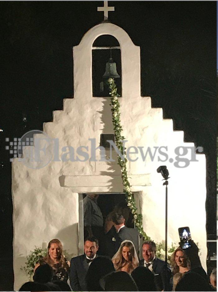 Το άλμπουμ του ρομαντικού γάμου της παρουσιάστριας Ελένης Τσολάκη - εικόνα 8