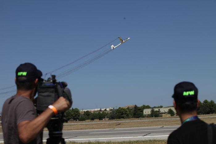 Athens Flying Week: Φοβεροί ελιγμοί, αερομαχίες & ακροβατικά - εικόνα 2