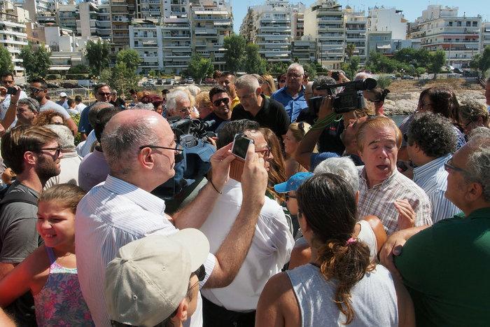 Διαμαρτυρία πολιτών για τη μόλυνση των ακτών της Πειραϊκής - εικόνα 2