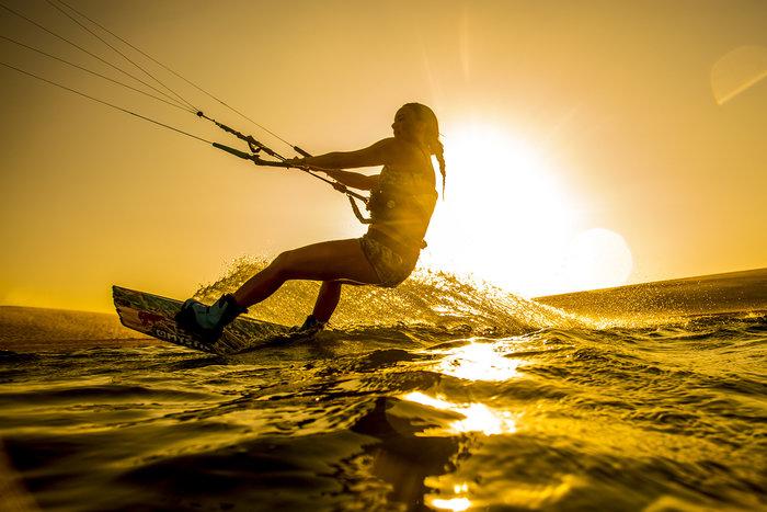 Εντυπωσιακές εικόνες από διαγωνισμό kitesurf στη Βραζιλία - εικόνα 2