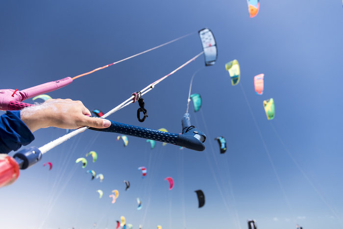 Εντυπωσιακές εικόνες από διαγωνισμό kitesurf στη Βραζιλία - εικόνα 5