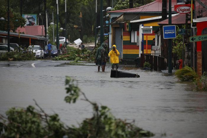 Η καταστροφική «Μαρία» σαρώνει ξανά την Καραϊβική - εικόνα 8