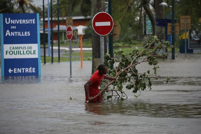Η καταστροφική «Μαρία» σαρώνει ξανά την Καραϊβική - εικόνα 9