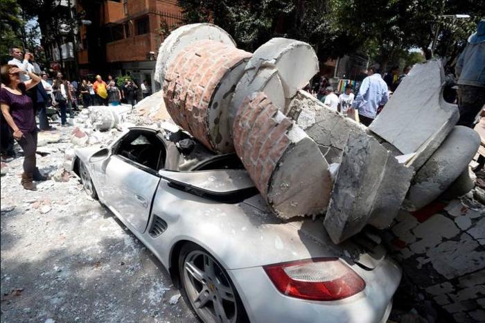 Εκατόμβη νεκρών στο Μεξικό από το φονικό χτύπημα του εγκέλαδου - εικόνα 4