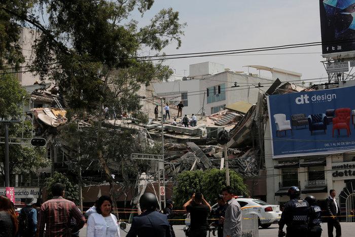 Εκατόμβη νεκρών στο Μεξικό από το φονικό χτύπημα του εγκέλαδου - εικόνα 6