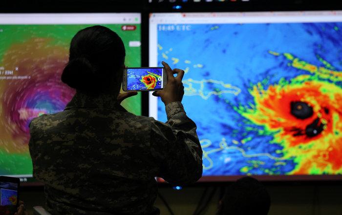 Η «Μαρία» σαρώνει την Καραϊβική και απειλεί το Πουέρτο Ρίκο