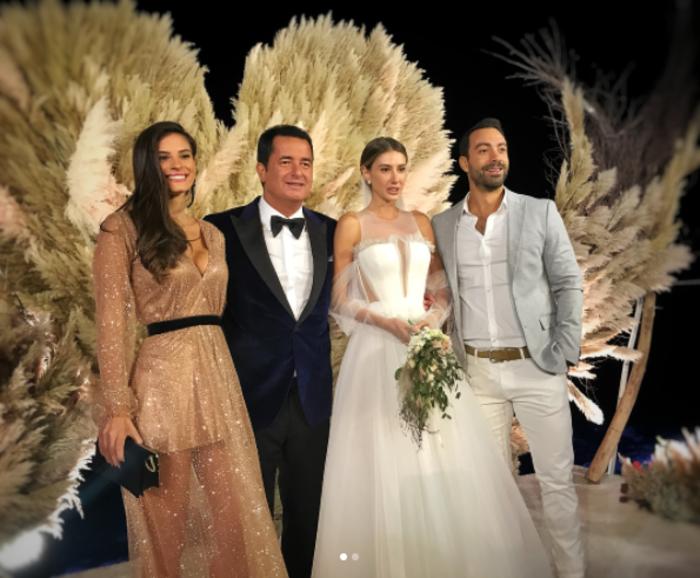 Ατζούν Ιλιτζαλί: ο χλιδάτος γάμος του κ. Survivor στο Σεν Τροπέ - εικόνα 4