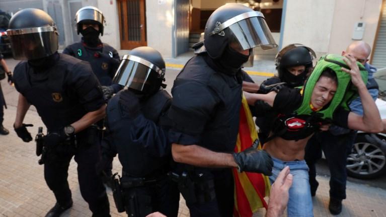 sullipseis-politikwn-stin-katalonia-ligo-prin-to-dimopsifisma