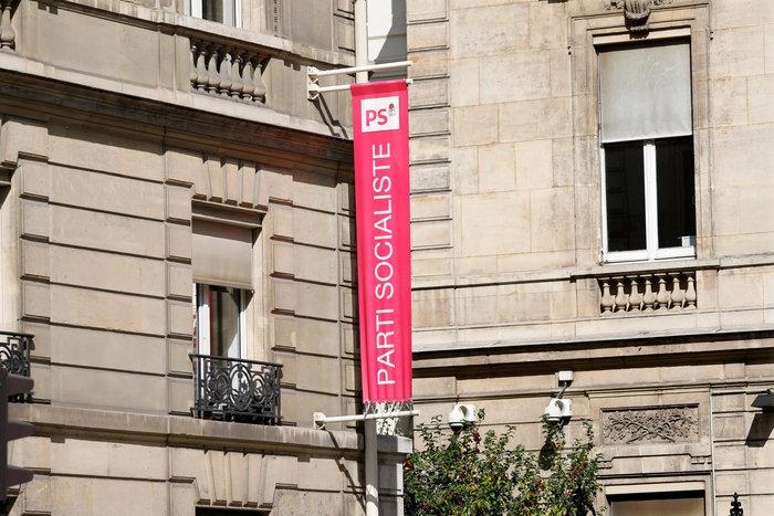 Γαλλία: Το σοσιαλιστικό κόμμα βάζει πωλητήριο στα γραφεία του - εικόνα 3