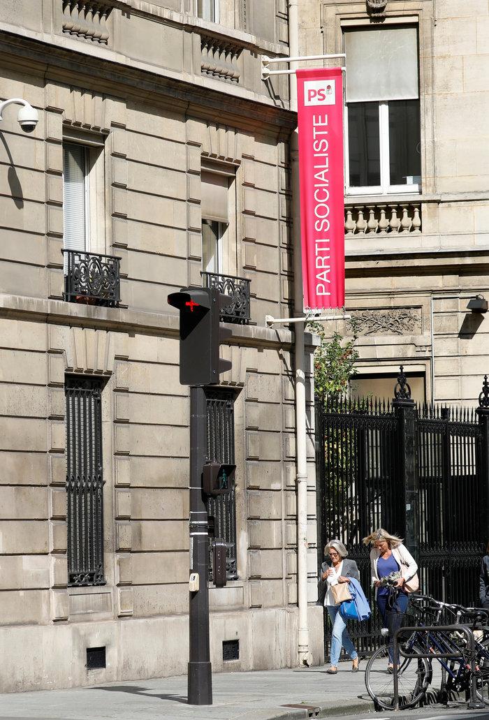 Γαλλία: Το σοσιαλιστικό κόμμα βάζει πωλητήριο στα γραφεία του - εικόνα 4