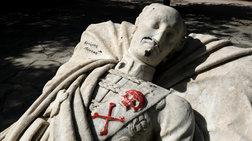 gemisan-nazistika-sumbola-ton-tafo-tou-aleksandrou-upsilanti-eikones