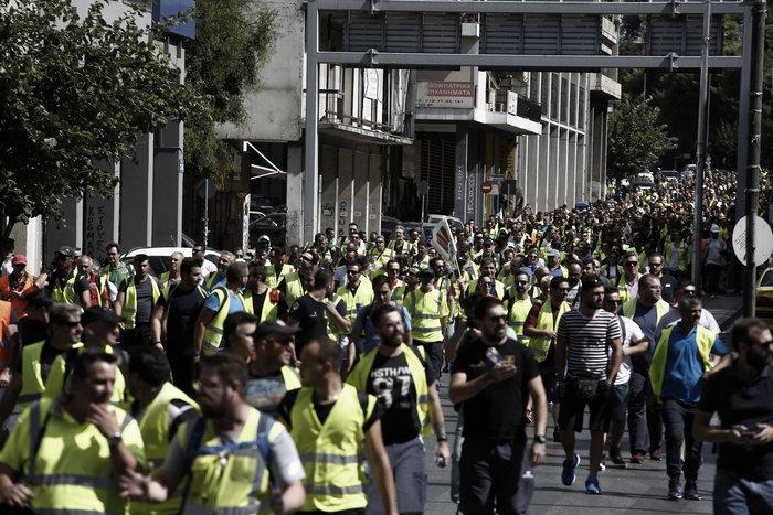 Πορεία των μεταλλωρύχων προς το Μέγαρο Μαξίμου - εικόνα 2
