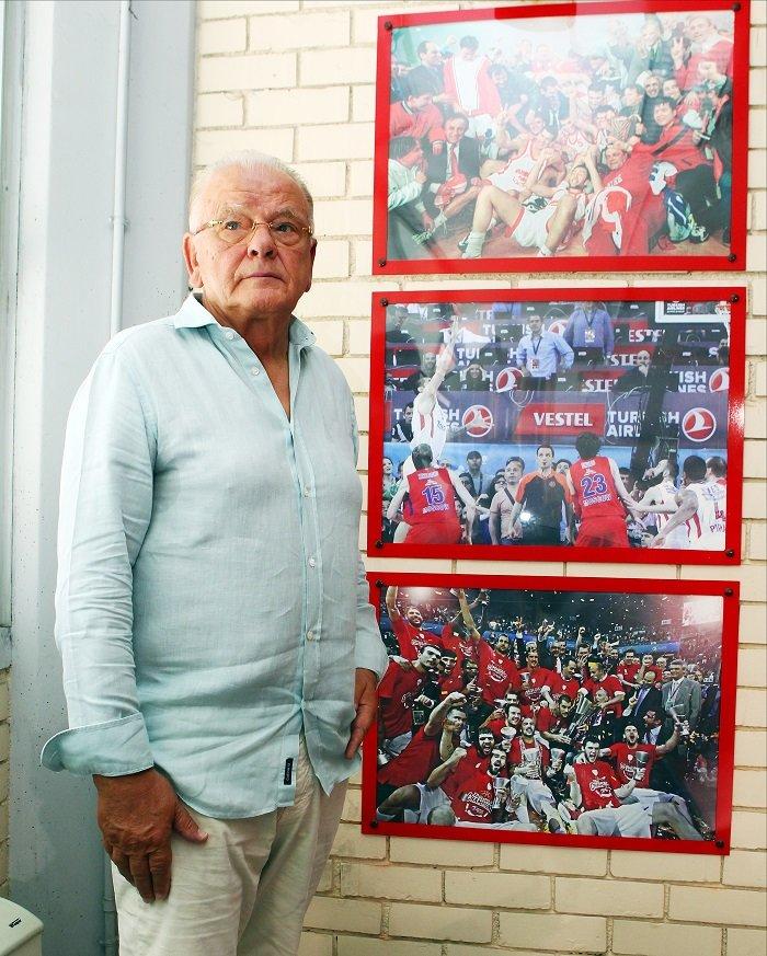 Ο Ολυμπιακός τίμησε τον θρύλο Ντούσαν Ίβκοβιτς [φωτό] - εικόνα 2