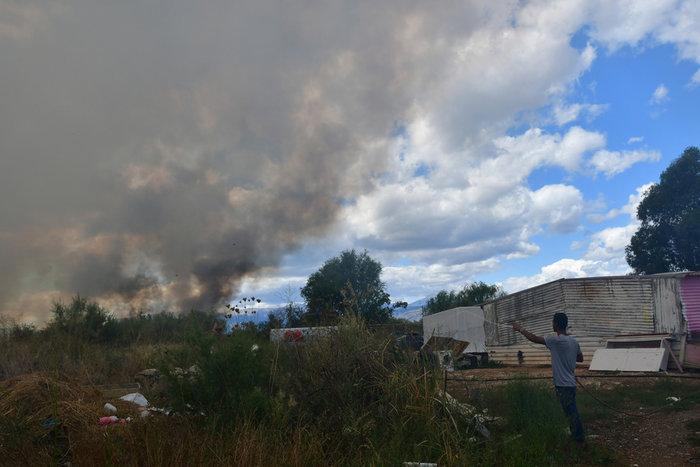 Πυρκαγιά στην παραλιακή οδό Ναυπλίου - Νέας Κίου [φωτό] - εικόνα 4