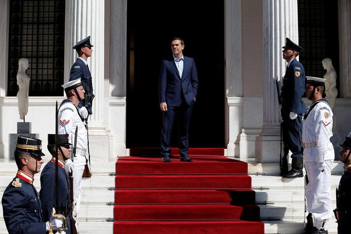 Reuters: Ο Τσίπρας υπόσχεται μια «νέα» Ελλάδα αλλά δεν πείθει