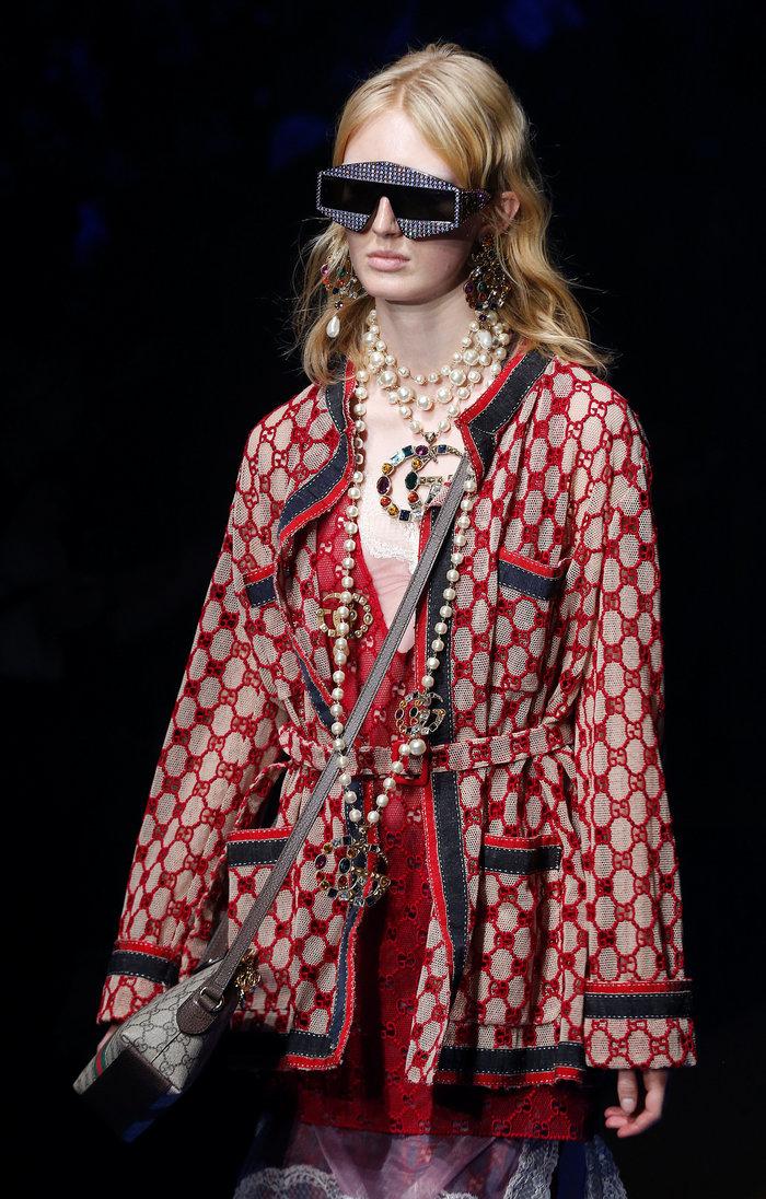 Milan Fashion Week: Τα ανθισμένα μοντέλα και οι εξωφρενικές δημιουργίες