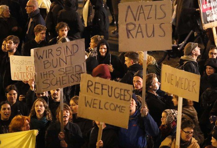 Ένταση σε αντιφασιστική συγκέντρωση στο Βερολίνο
