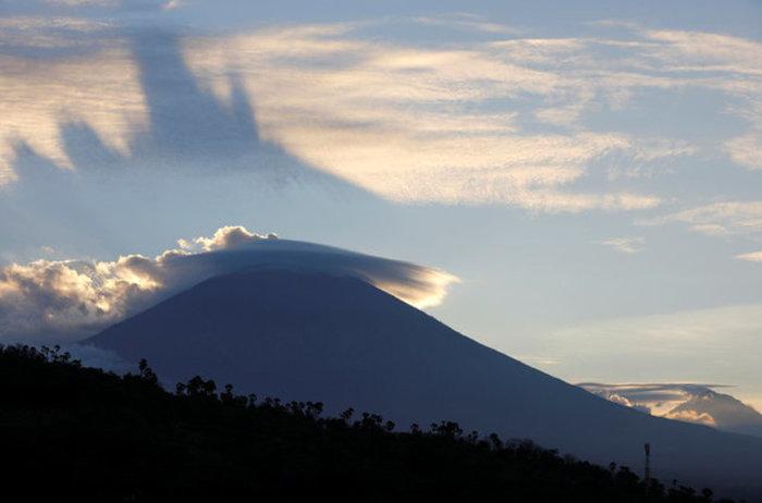 Φοβούνται το ηφαίστειο στο Μπαλί: 50.000 έφυγαν από τα σπίτια τους-Εικόνες