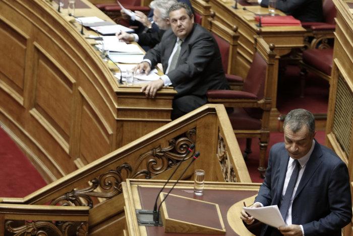 Πυρ ομάδον από την αντιπολίτευση κατά Καμμένου στη Βουλή - εικόνα 3