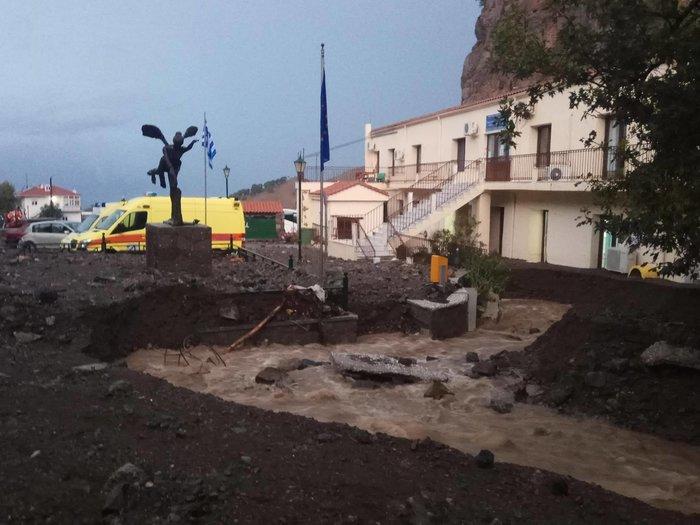 Πλημμύρες και κατολισθήσεις στη Σαμοθράκη από την κακοκαιρία - εικόνα 2