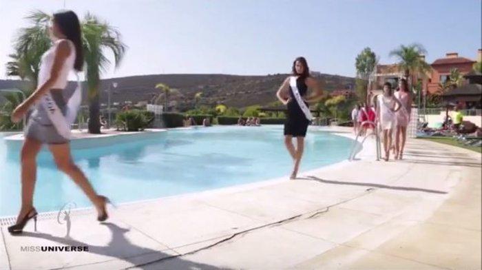 Θέλησε να εντυπωσιάσει στην πασαρέλα και κατέληξε στην πισίνα [Βίντεο]