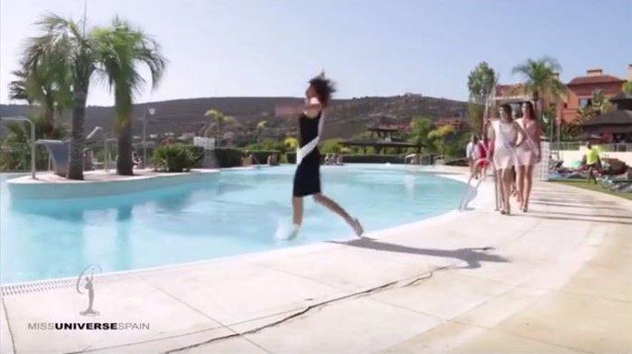 Θέλησε να εντυπωσιάσει στην πασαρέλα και κατέληξε στην πισίνα [Βίντεο] - εικόνα 2